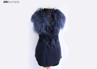 Woman knitwear with fur